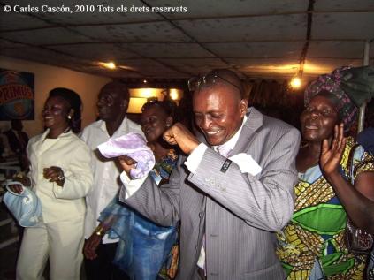 Sapeurs a un casament a La Main Bleu. Brazzaville, 2010