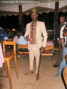 Un sapeur camerunés de copas