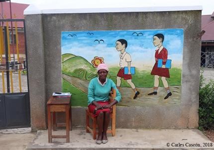 Escuela entre Fort Portal y el Kianinga Lake