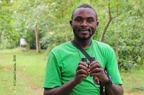 Andrew, guía ornitólogo del Tooro Botanical Garden