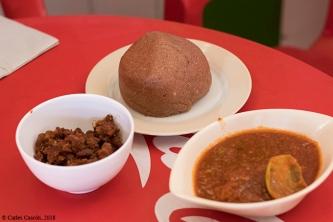 Uguali (posho) de sorgo y mandioca en el Tamu Tamu