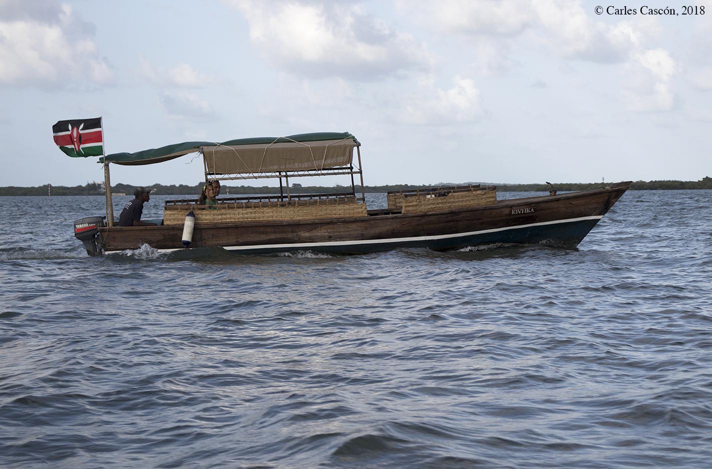 Barco que cubre el trayecto Lamu-Shela